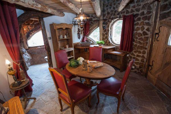 la maison du hobbit. Black Bedroom Furniture Sets. Home Design Ideas